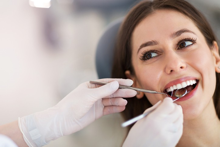 How Much Does a Hollywood Smile Makeover Cost in Dubai?